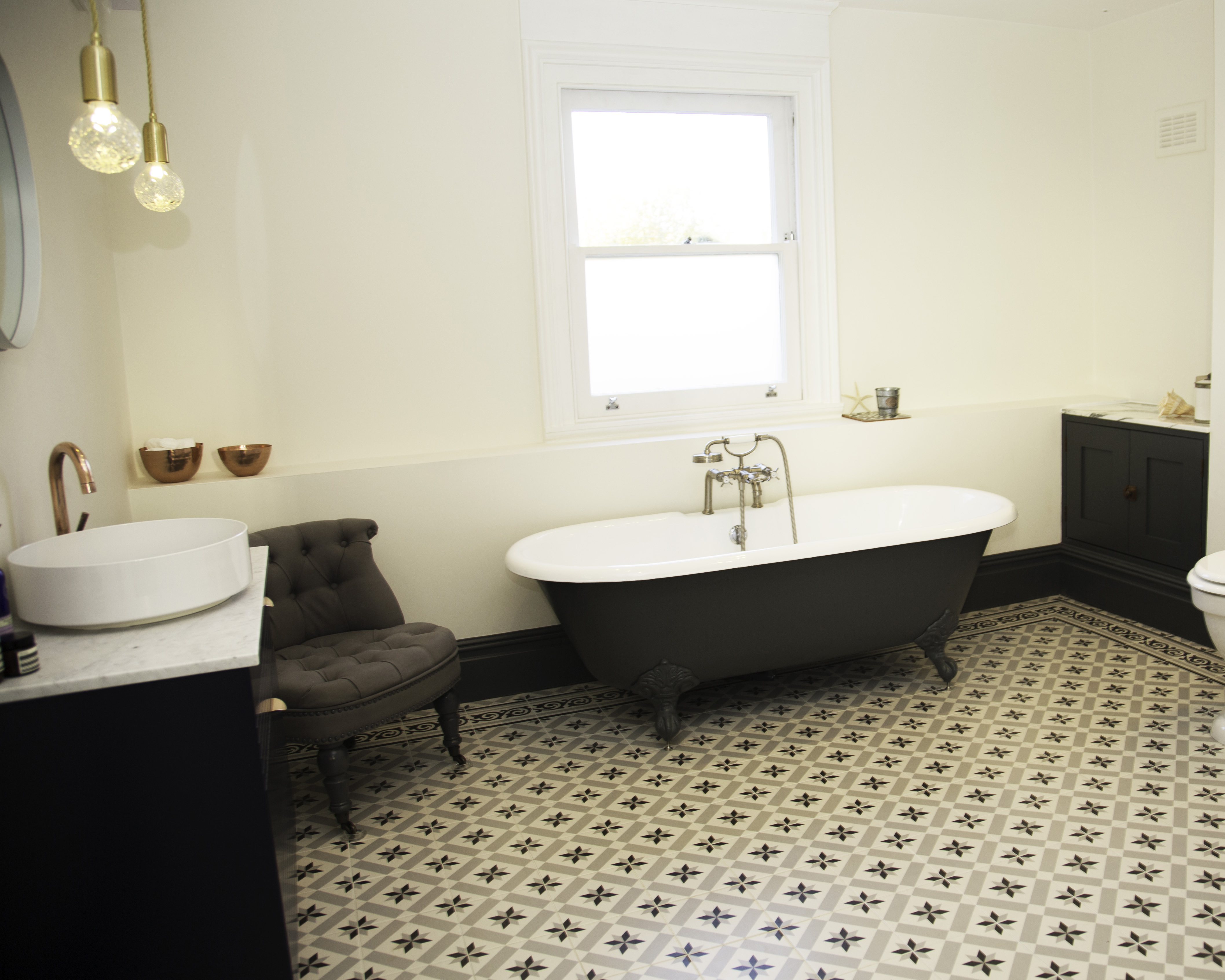 Beautiful bathrooms: Creating an elegant and luxurious space - A + R ...